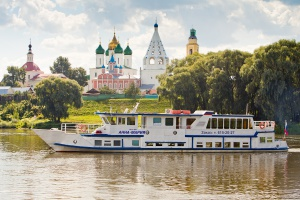 Beautiful river trip along the Moskva River